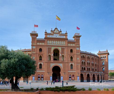 Las Ventas ist eine Stierkampfarena in Madrid. Die im Neomudéjarstil erbaute und 1934 eröffnete Arena bietet 23.798 Zuschauern Platz und ist damit die größte Spaniens und hinter der Plaza México in Mexiko-Stadt..
