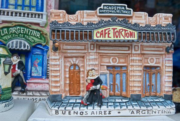 Das Café Tortoni ist ein Kaffeehaus auf der Avenida de Mayo 825 in Buenos Aires (Argentinien).