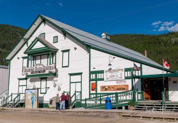Die Siedlung wurde 1896 zu Beginn des legendären Klondike-Goldrauschs gegründet und nach dem kanadischen Geologen George Mercer Dawson benannt, der die Region erforscht hatte.