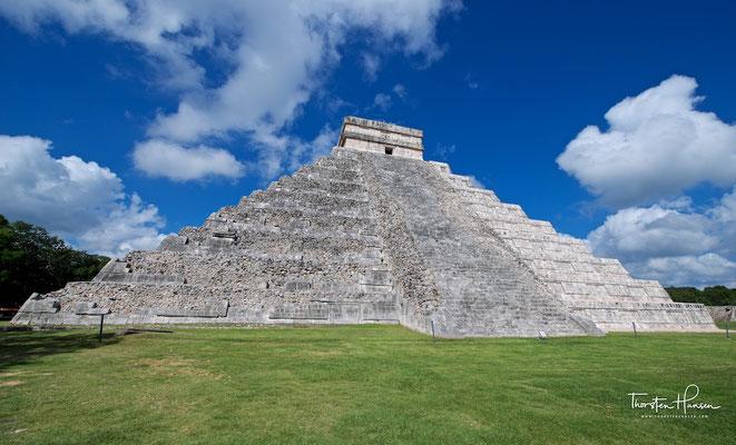 Die Pyramide des Kukulcán, wurde von den spanischen Eroberern auch El Castillo genanntzá