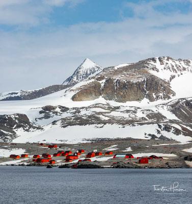 Die argentinische Esperanza-Station an der Hope Bay. Sie liegt am nördlichen Ende der Antarktischen Halbinsel auf der Trinity-Halbinsel an der Hope Bay