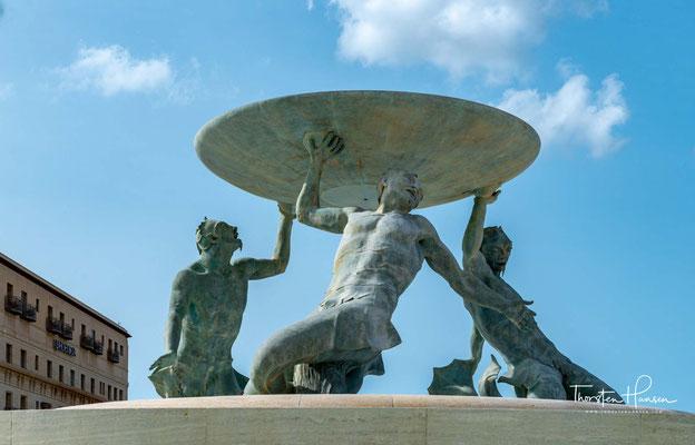 Der Tritonenbrunnen (englisch Triton Fountain, maltesisch Funtana tat-Tritoni) ist ein Springbrunnen, der in der maltesischen Hauptstadt Valletta auf dem Triton Fountain Square unweit des City Gate (Stadttor) steht.