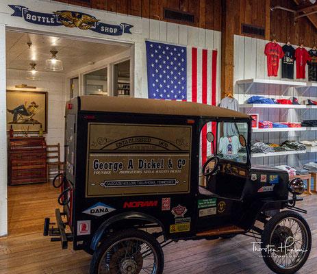 Die Familie Shwab verkaufte den Dickel-Markennamen an Schenley Industries, die Dickel Whiskey in ihrer Destillery in Frankfort (heute: Buffalo Trace) betrieben.