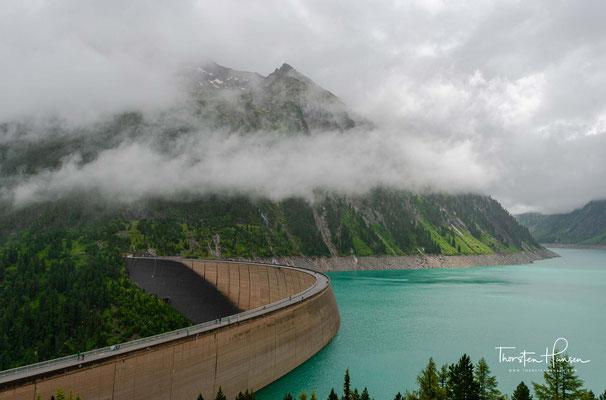 Der Schlegeisspeicher ist ein künstlicher See in den Zillertaler Alpen. Wahrscheinlich ist er der bekannteste Stausee im ganzen Zillertal – wenn nicht sogar in den Alpen überhaupt.