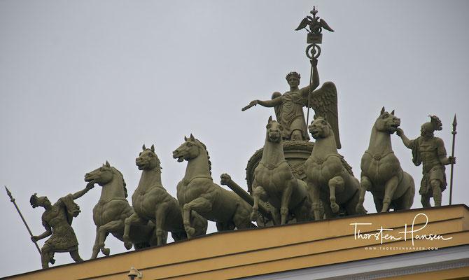 Quadriga auf dem Palastplast in St. Petersburg