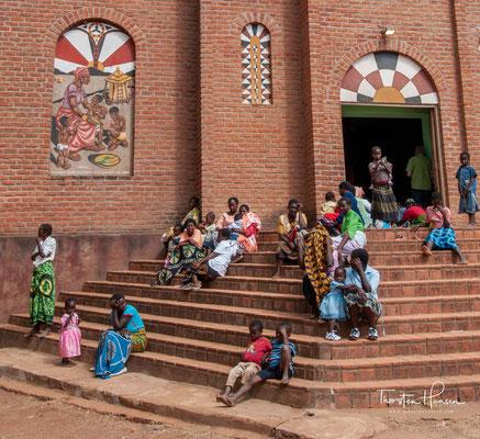 1905 wurde die erste Kirche fertiggestellt und an Weihnachten eingeweiht. Die Kirche, die heutzutage zu sehen ist, entstand 1971 an der Stelle der alten.