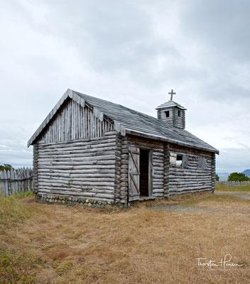 Es wurde 1843 auf einem felsigen Hügel bei Punta Santa Ana unter dem Kommando von Präsident Manuel Bulnes Prieto gegründet.