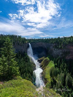 Sedimente magmatischen Gesteins bildeten einst Schicht für Schicht das Murtle-Plateau. Es wurde in der letzten Eiszeit überflutet, und so entstanden die schroffen Wände am Ufer des Murtle River.