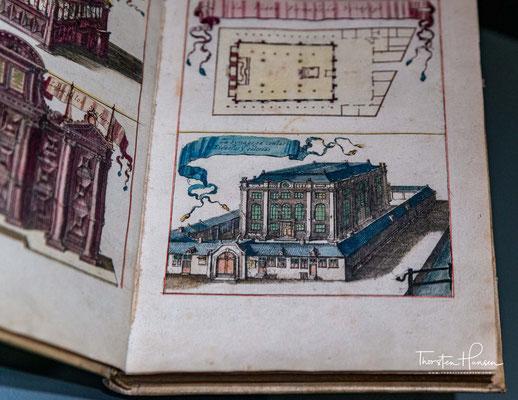 """Die Bibliothek Ets Haim – Livraria Montezinos (etz chajim hebr: """"Baum des Lebens""""; für Montezinos s. u.) ist eine sephardische Bibliothek in Amsterdam mit langer Tradition."""