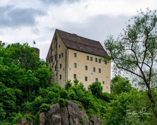 Die Burg Neuhaus ist eine Spornburg in der gleichnamigen Ortschaft Neuhaus. Burg Neuhaus ist kein klassischer Rittersitz, sondern eher ein befestigtes Jagdschloss.