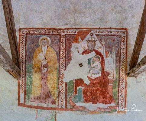 In den folgenden Jahrhunderten entwickelte und bereicherte sich die Kirche mit einer wachsenden Anzahl von Fresken bis zum 16. Jahrhundert, als sie ihr heutiges Aussehen erreicht hatte.