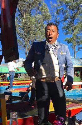 Mariachis in den Chinampas von Xochimilco