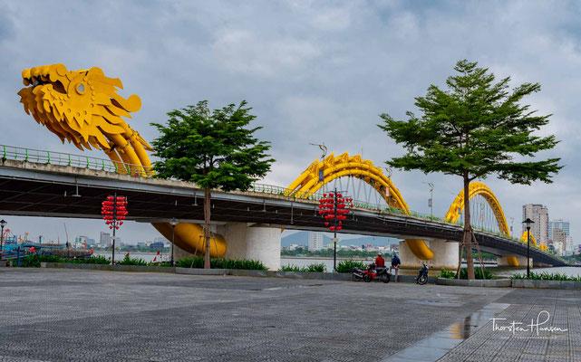 Đà Nẵng hat etwa eine Million Einwohner. Die Stadt ist direkt der Zentralregierung unterstellt und somit einer Provinz gleichgestellt.