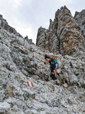 Wirklich schwierig ist der Aufstieg nirgends; die Route kann daher jedem trittsicheren Wanderer empfohlen werden.