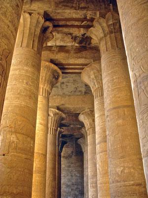 Pronaos (Vorhalle) in Edfu