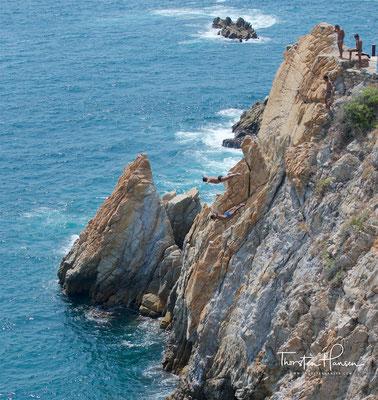 Obwohl das Klippentauchen in La Quebrada schon seit vielen Jahren stattfindet, wurden die La Quebrada Cliff Divers erst 1934 gegründet. Einer der bekannteren Cliff Divers war Raoul Garcia.