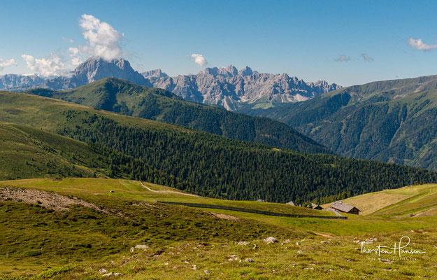 Traumhafter Rundum-Panoramablick über die Dolomiten, Sarntaler Alpen, Zillertaler Alpen, Rieserferner und Hohe Tauern.