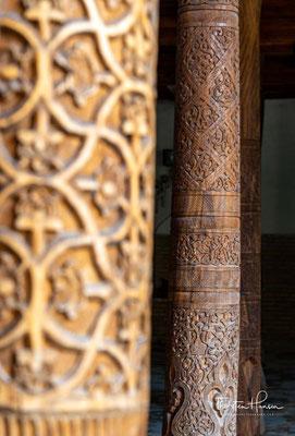 Typisch waren solche Moscheen im Arabien des 7. und 8. Jahrhunderts. Ein Prinzip des offenen Hofs erlaubte, den Bau nicht nur als Gebetsstätte, sondern auch als Versammlungsort und Unterrichtsstätte zu nutzen.
