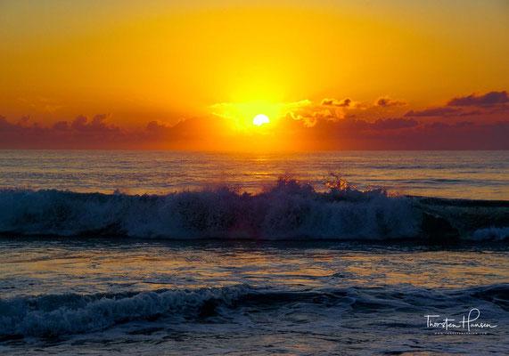 Sonnenaufgang am Aomak Strand