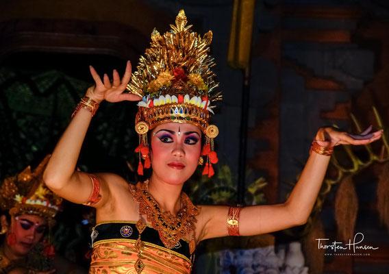 Legong ist der klassische balinesische Tanz. Ein besonders wichtiger Teil dieser Kultur sind die Tänze der Balinesen.