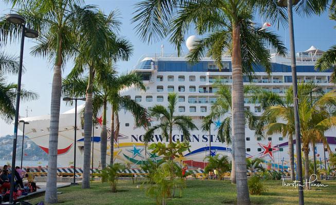 Acapulco liegt an der Pazifikküste rund 300 km südwestlich von Mexiko-Stadt.