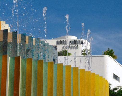 "Geschwungene Linien: Das ""Hotel Cinema"" schmiegt sich an den Dizengoff-Platz in Tel Aviv"