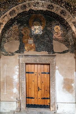 Während der osmanischen Herrschaft wurde sie in eine Moschee umgewidmet. Die stark beschädigten Fresken sind in den 1950er Jahren entdeckt worden.