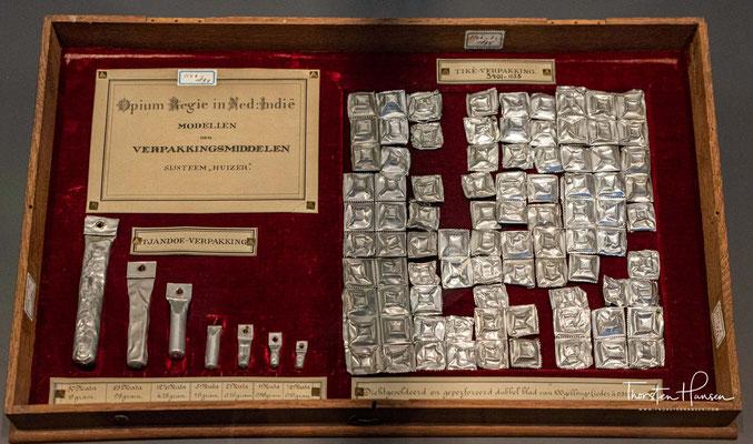 Opium Präsentationsbox aus Java von 1894