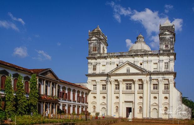 Die Igreja da Nossa Senhora da Divina Providência e Convento de São Caetano, ist eine römisch-katholische Kirche und ehemaliges Theatiner-Kloster. Die Anlage, in ihrer heutigen Form wurde 1672 errichtet