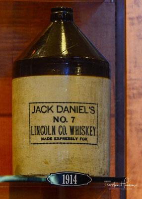 Beim 1997 eingeführten Single Barrel wählt der Master Distiller spezielle Whiskeyfässer aus. Der Inhalt wird unvermischt in Flaschen abgefüllt. Jede Flasche ist handsigniert und mit der Nummer des Fasses versehen, aus dem sie abgefüllt worden ist.
