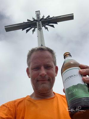 Der erste Gipfel der meiner Alpenüberquerung. Der Brauneck Gipfel auf 1555m.