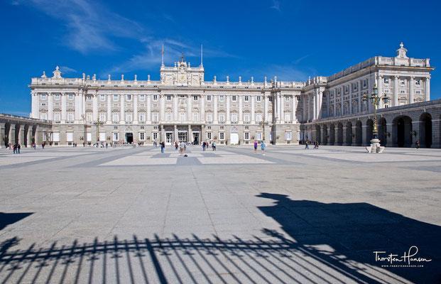 Der Königliche Palast (spanisch Palacio Real) ist das Madrider Stadtschloss und die offizielle Residenz des spanischen Königshauses.