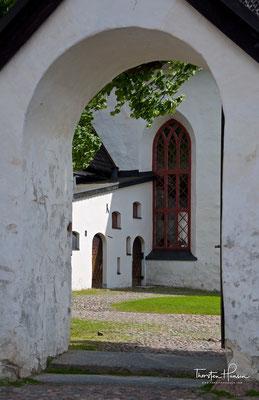 Im Jahr 2006 wurde der Dom durch ein verheerendes Feuer teilweise zerstört und wieder aufgebaut.