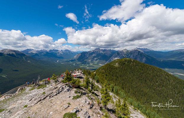 Der Sulphur Mountain ist ein Berg im Banff-Nationalpark in der kanadischen Provinz Alberta. Der 2451 m hohe Berg gehört zur Front Ranges