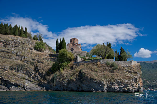 Kirche des Heiligen Johannes von Kaneo über dem Ohridsee