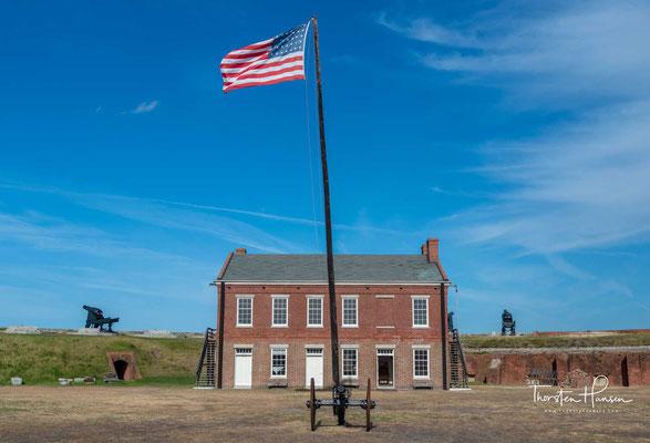 Das direkt am Savannah River aus Ziegelsteinen errichtete Fort ist etwa 100 Meter lang und an seiner breitesten Stelle ungefähr 65 Meter breit.