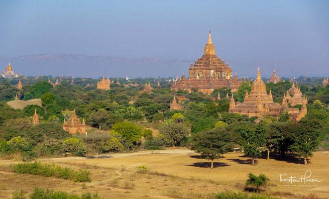 Das Königreich, dessen Herrschaftszentrum Bagan für ca. 430 Jahre war, bildete das erste vereinte Reich im heutigen Birma. Die frühe Geschichte Bagans ist in Einzelheiten umstritten.