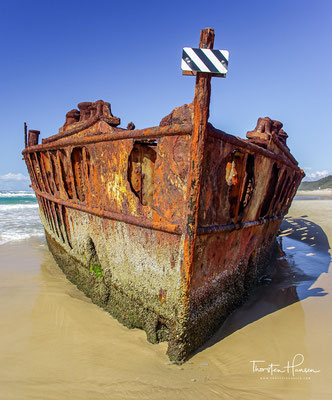 Versuche, das gestrandete Schiff loszubekommen, scheiterten.