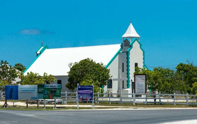 Als Hautstadt des Archipels und als Gouverneurssitz mag man sich Cockburn Town nicht so recht vorstellen.