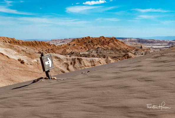 also in etwa zwischen den Städten Tacna im Süden Perus und Copiapo im Norden Chiles, über eine Distanz von rund 1200 Kilometern.