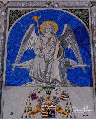 Von seinem Aufenthalt auf der Insel leitet sich das Patrozinium der Kathedrale her.