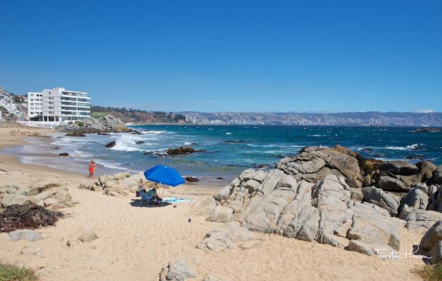 Die an einer Bucht des Pazifiks gelegene Stadt Viña del Mar, gilt als mondäner Urlaubsort.