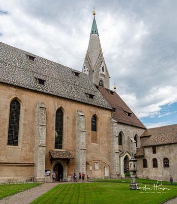 Der Brixner Domkreuzgang zählt zu den bedeutendsten Kunstdenkmälern Südtirols. Berühmt ist der Kreuzgang vor allem wegen seiner Fresken aus der Zeit der Gotik.
