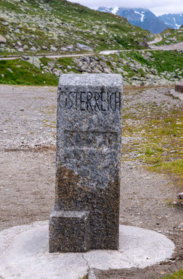 Seit 2012 forschen Archäologen der Universität Innsbruck am Pfitscherjoch. Nachweislich wird das Joch seit etwa 9000 Jahren von Menschen begangen.