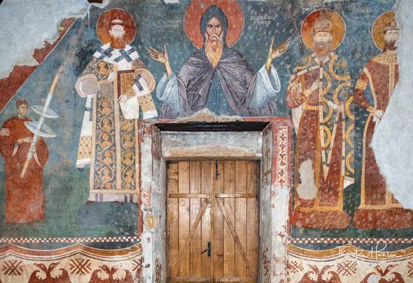 Im frühen 14. Jahrhundert von König Stefan Uroš II. Milutin gegründet, ist sie die älteste Fünfkuppelkirche der serbischen Kunst.