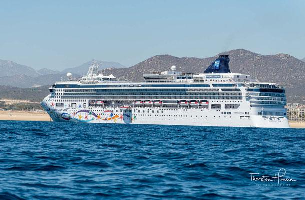 Die Norwegian Star ist ein Kreuzfahrtschiff der Norwegian Cruise Line (NCL), das im Jahr 2001 auf der Meyer-Werft in Papenburg fertiggestellt wurde.