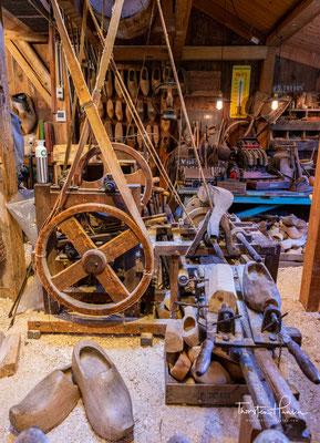 Holzschuhe  gibt es in ganz Europa, jedoch sind die Klompen aus den Niederlanden wohl die bekanntesten.