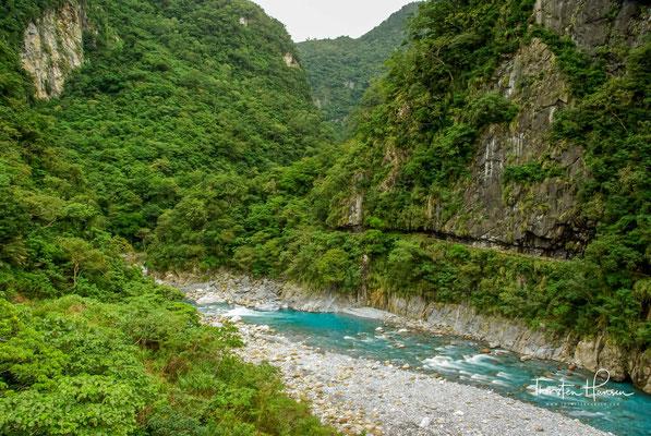 Der Nationalpark ist 19 Kilometer lang und erstreckt sich entlang des Liwu Flusses.