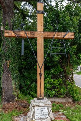 Mit Leidenswerkzeuge (auch Passionswerkzeuge, lateinisch Arma Christi 'Waffen Christi') werden Waffen, Foltergeräte oder andere Objekte bezeichnet, die in Beziehung zum Leiden und Sterben Jesu Christi stehen.