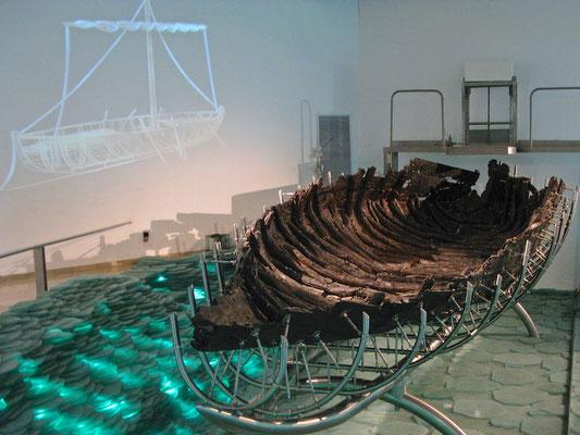 Das Boot vom See Genezareth ist ein marinearchäologischer Fund nahe dem antiken Hafen Magdala